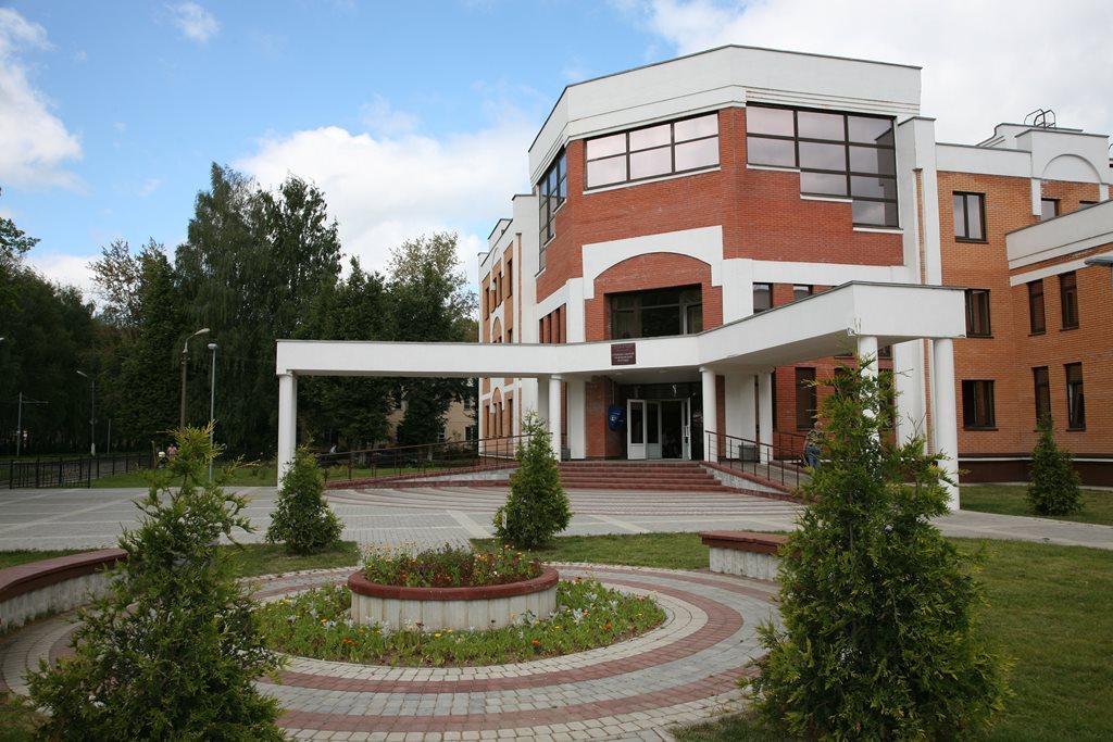 Заливка бетона для станции скорой помощи